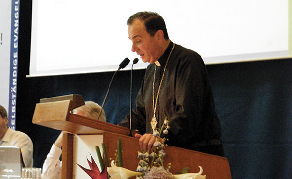 President Robert Bugbee addresses SELK's Gernal Pastoral Conference.