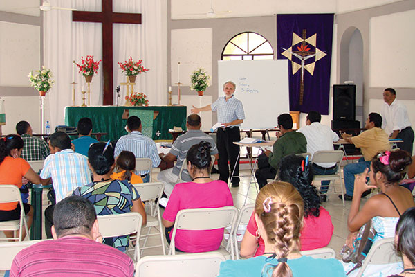 Forthcoming South American hymnal spurs worship workshop