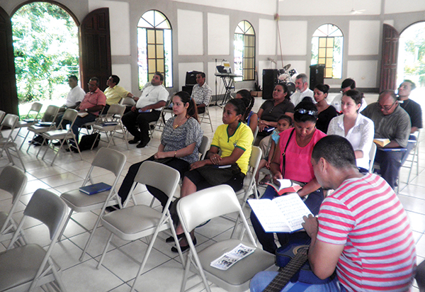 Nicaraguan church work students examined in lead-up to ordination, consecrations