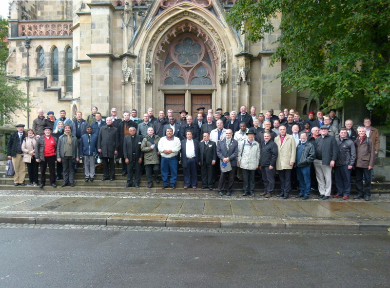 Participants in the World Seminaries Conference gather in front of St. Thomas Church in Leipzig.